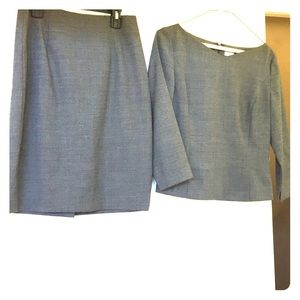Timeless simple skirt set. Accessorize easy